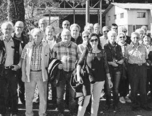 Freiwilligen des Rotkreuz-Fahrdienstes